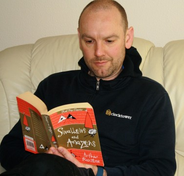 Tom reads S&A